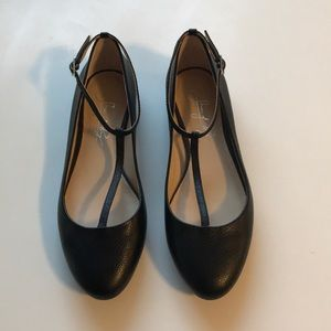 Shoes of Prey T-Strap Flats in Black Size 5.5 NWOT